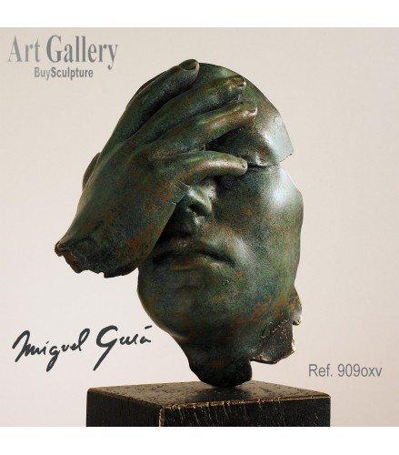Sculpture Reflexion in green rusty bronze